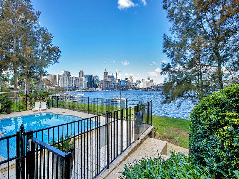 2/14 Hosking Street, BALMAIN EAST  NSW  2041