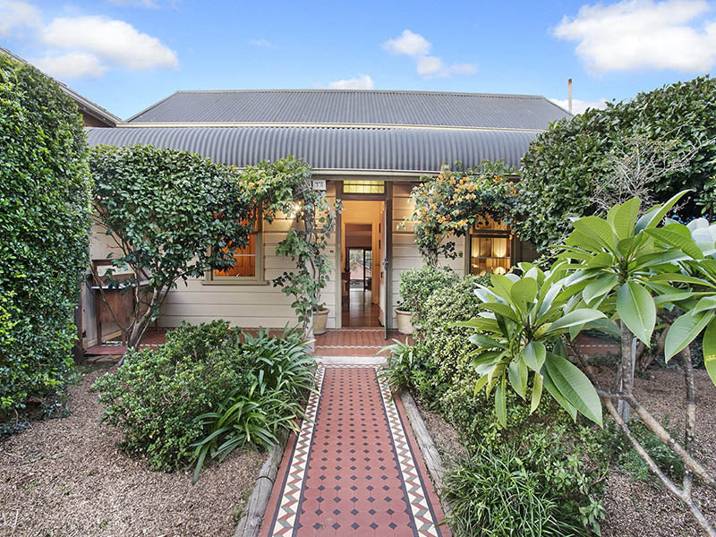 30 The Boulevard, LILYFIELD  NSW  2040