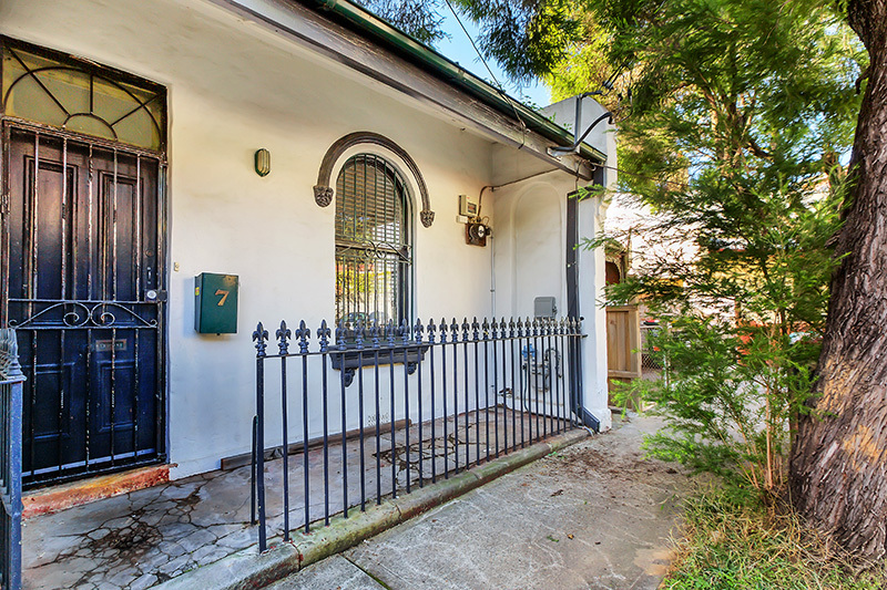 7 Augustus Street, Enmore  NSW  2042